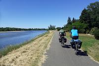 https://worldblogueur.blogspot.com/2020/06/enfin-libres-entre-rivieres-fleuves-et.html
