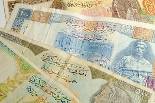 هبوط حاد تشهده الليره السوريه مقابل الدولار واليورو و الليره التركيه اليوم