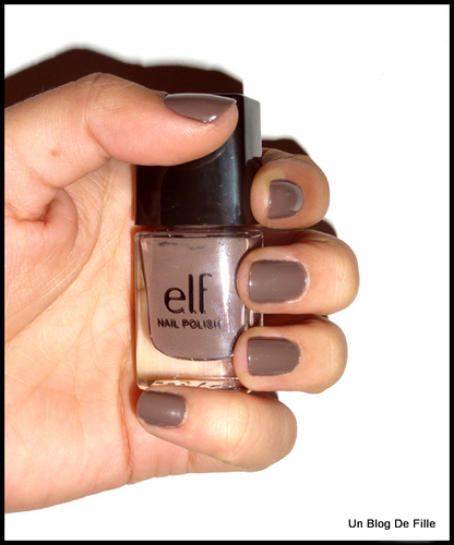http://unblogdefille.blogspot.fr/2011/02/test-vernis-smoky-brown-elf.html