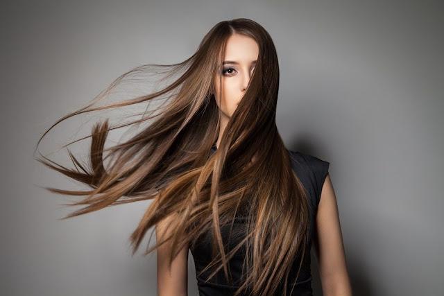 خلطة تطويل الشعر وتنعيمه