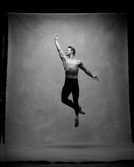 fotos inspiradoras, bonitas, chidas, cool, fotografia danza contemporanea, imagenes figura humana en movimiento, blanco y negro,