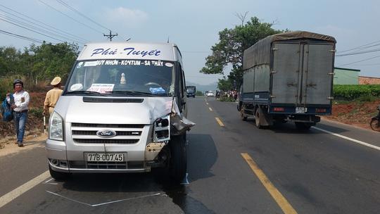 Gia Lai: Xe khách lại lấn đường gây tai nạn chết người