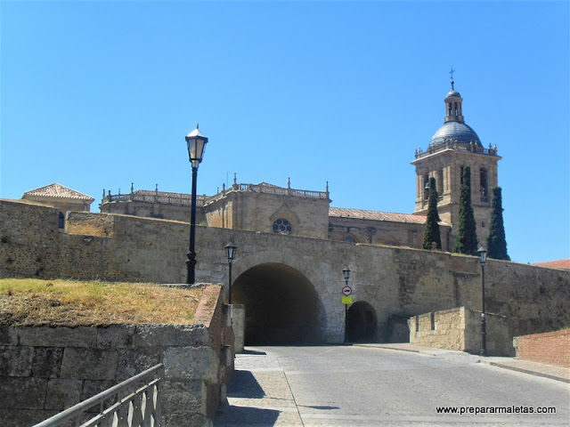 muralla y catedral de Ciudad Rodrigo