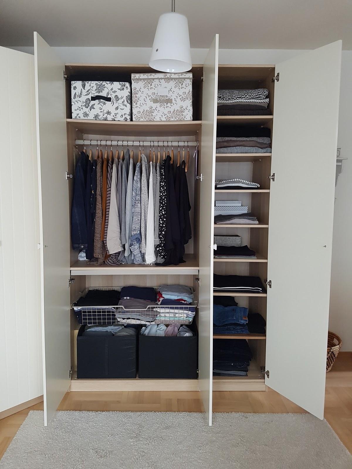 719a408e1b W szafie oprócz ubrań trzymam na dole swoje torebki. Jestem w nich  zakochana
