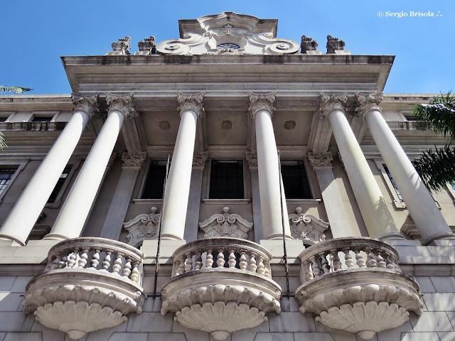Perspectiva inferior da fachada da Faculdade de Direito da Usp - Sé - São Paulo