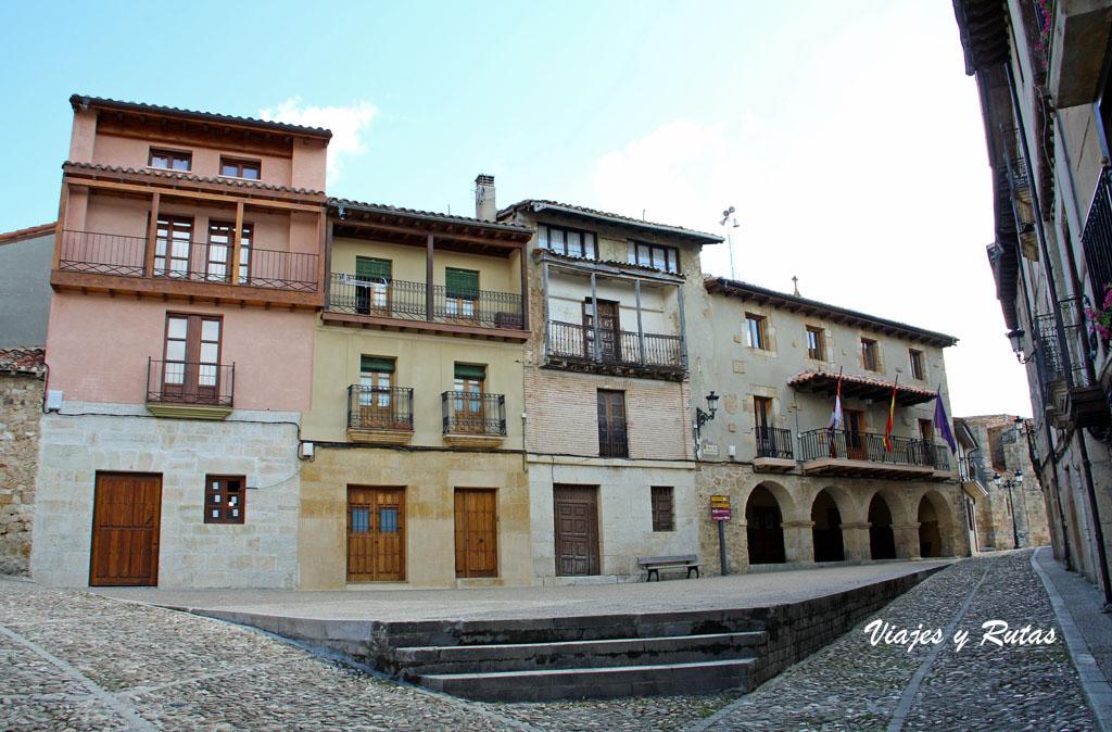 Plaza del ayuntamiento de Frías
