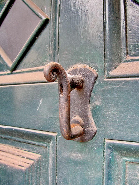 Post-door