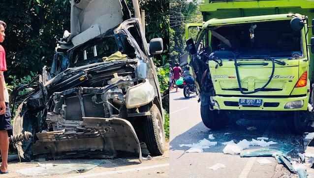 Truck Hino vs Grand Max di Jelantik Lombok tengah