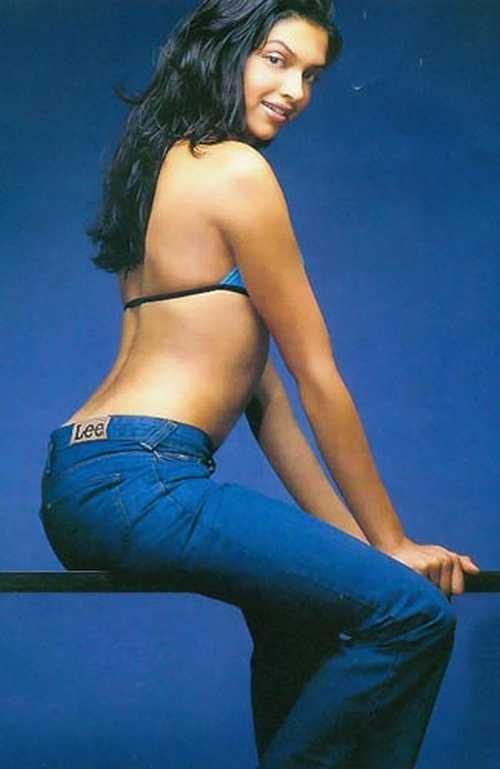 Deepika Padukone sexy figure, Deepika Padukone hot figure, Deepika Padukone body shape, Deepika Padukone in tight jeans, Deepika Padukone in bra, Deepika Padukone Hot & Sexy Back - VP (8)