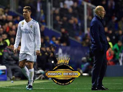 Ronaldo Digantikan Oleh Assensio Disisa Sembilan Menit Terakhir Waktu Normal