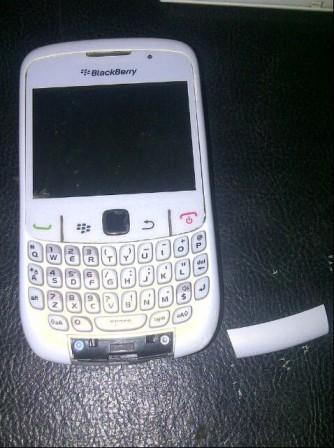 3 Bongkar Blackberry 8520
