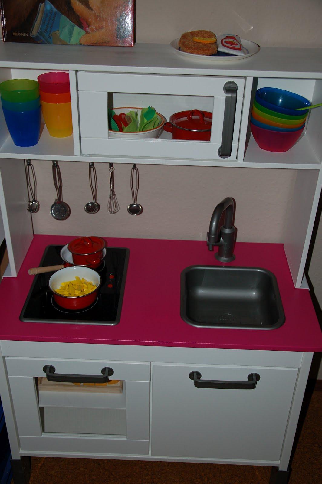 nadelia ikea kinderk che goes white pink. Black Bedroom Furniture Sets. Home Design Ideas