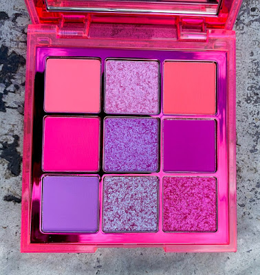 Huda Beauty Neon purple
