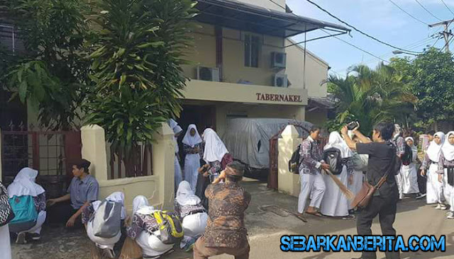Pelajar Muslim Bersih-bersih Gereja Jelang Natal, Ini Penjelasan Bupati Purwakarta Dedi Mulyadi