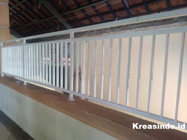 Repeat Order pesanan Kursi Taman Besi dan Balkon Besi Minimalis SDIT Insan Mandiri di Kalibata Jakarta Selatan