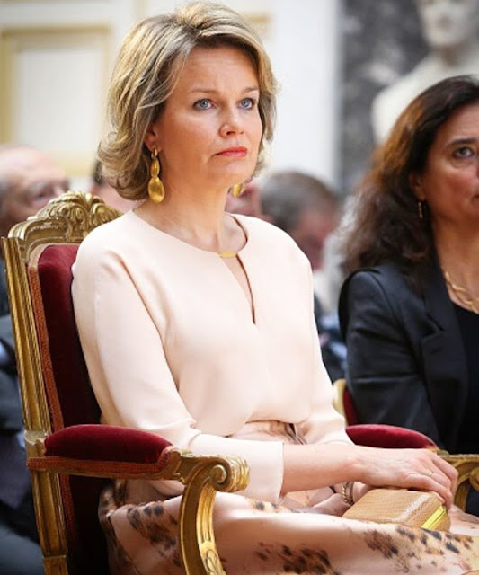 Queen Mathilde of Belgium attends the ceremony for the 2016 Baillet Latour Health Prize at the Academy Palace in Brussels. Queen wore Natan dress