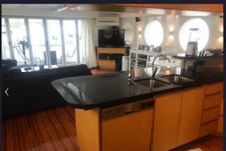 Mandarin Yacht