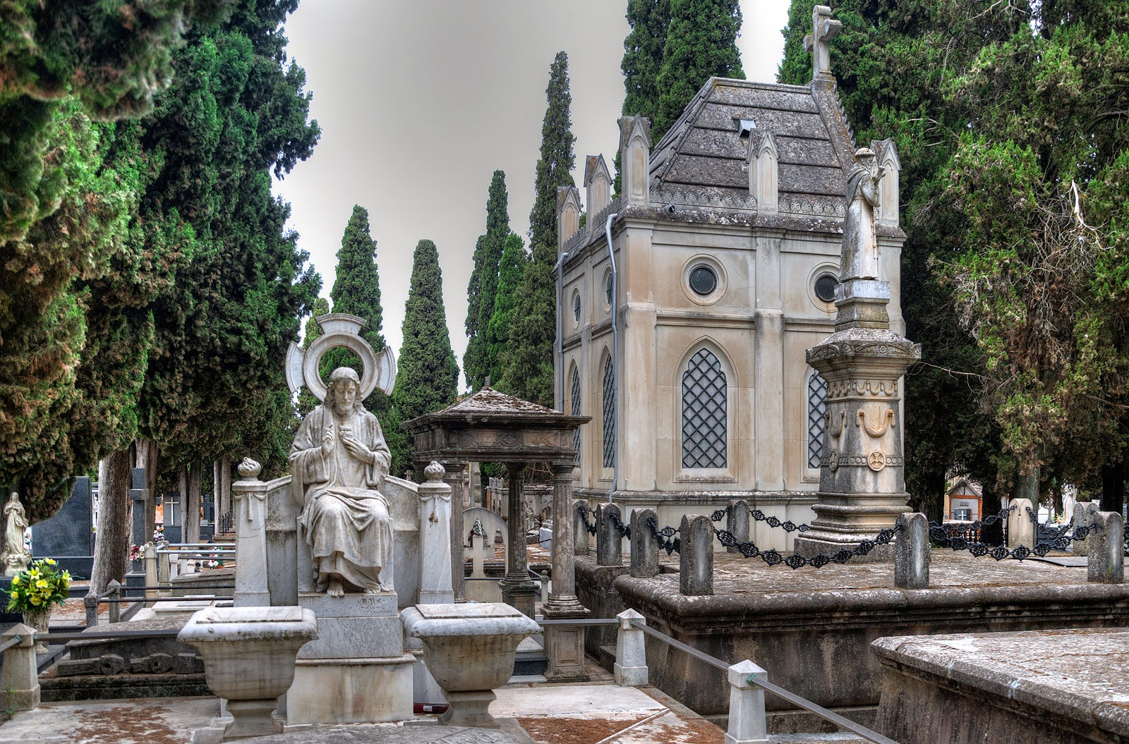 Municipal Cemetery of Saint Joseph (Linares, Spain)