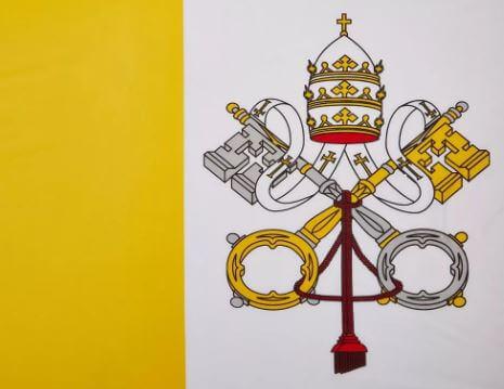 ماذا تعني ألوان ورموز علم مدينة الفاتيكان؟