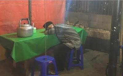 Masih Ingat Kakek Penjual Nasi Uduk Yang Tidur di Warungnya Karena Sepi? Kondisinya sekarang mengejutkan !!