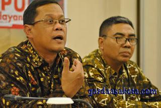 <b>KPU NTB Bersama KPK Umumkan e-LHKPN Calon Kepala Daerah</b>
