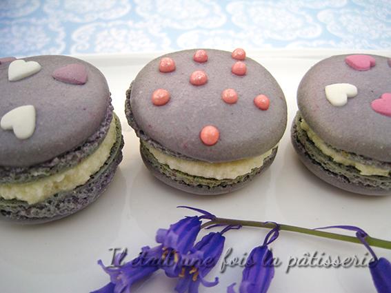 macarons à fleur de violette avec meringue italienne