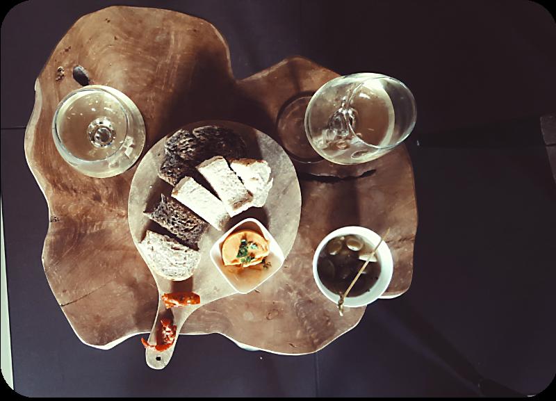 Kleines Essen auf dem Weingut De Kleine Schorre, dazu holländischer Wein | Arthurs Tochter Kocht von Astrid Paul