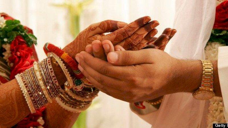 Dilarang Menikah dengan Pria Beristri, Gadis Ini Mandi Bensin Bareng Calon Suami lalu Disulut Api