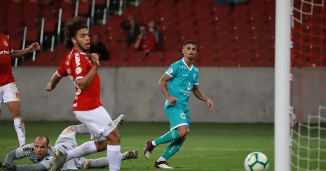 Atacante foi algoz do Inter nos dois turnos (Foto: Divulgação / Goiás)
