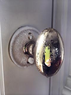 Led na okovu ulaznih vrata