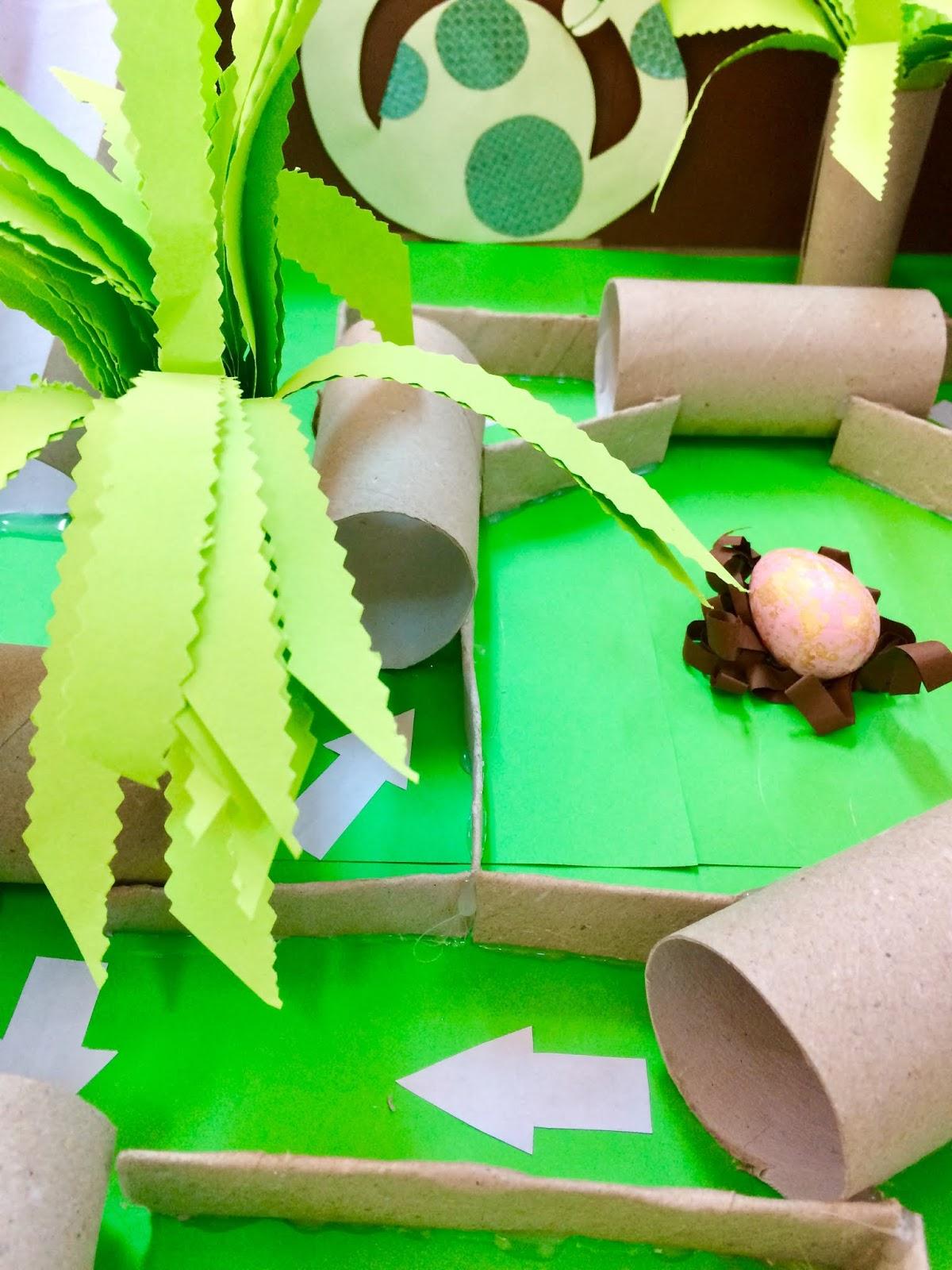 """Joc din materiale reciclabile: """"Prin Cretacic"""""""