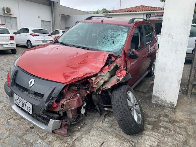 Padre é detido suspeito de dirigir bêbado e provocar acidente com morte na BR-104, em Esperança