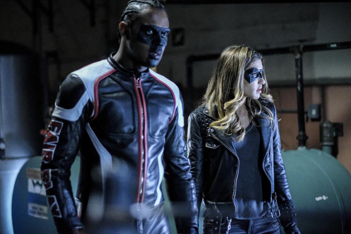 Curtis y Dinah en una escena de la serie de Arrow