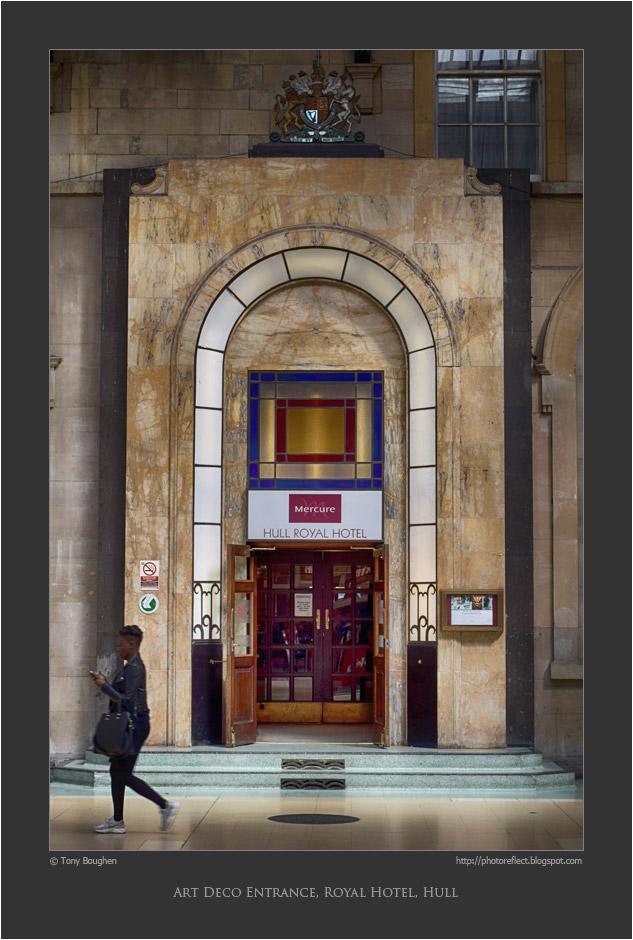 Photoreflect Art Deco Doorway