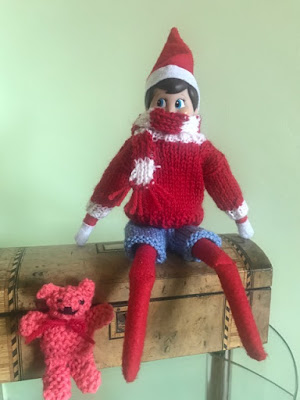 Elf on the Shelf knit a football kit pattern
