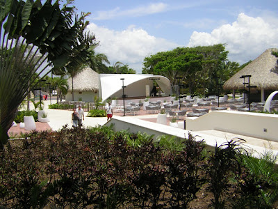 Bar Plaza del Sirenis  Punta Cana