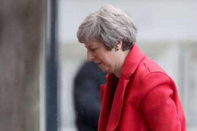 Times: Η Τερέζα Μέι ταπεινώθηκε από τους Ευρωπαίους ηγέτες
