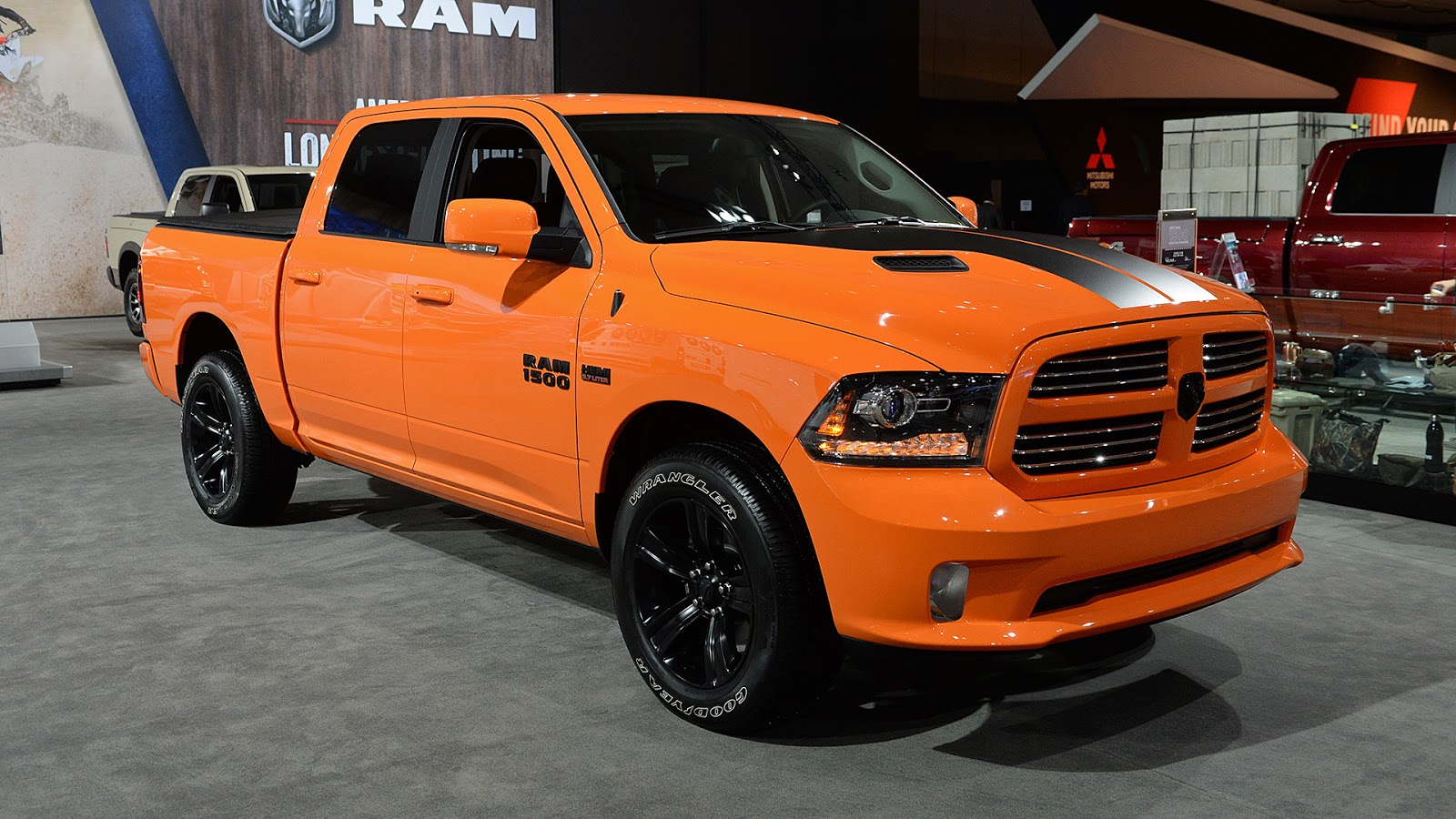 automotiveblogz ignition orange ram 1500 sport la 2016. Black Bedroom Furniture Sets. Home Design Ideas