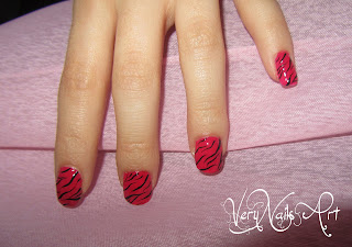 Uñas animal print cebra