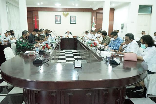 Bupati Memimpin Rapat Perkembangan Covid-19 di Kabupaten Asahan.