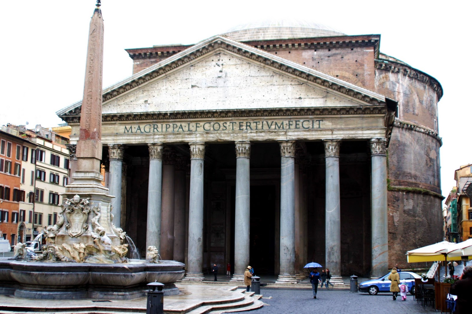 Gambrell Roof Di Qua E Di La Pantheon Roma