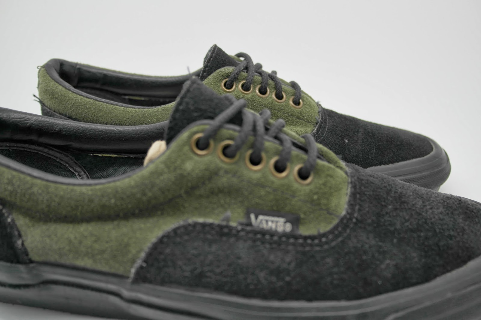 be13b60d68d090 vintage VANS style  95 2-tone suede green   black deck shoes MADE IN USA  90s US8 era