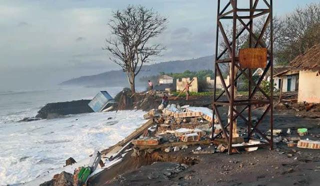 Kondisi Pantai TPI Bulurejo pasca abrasi