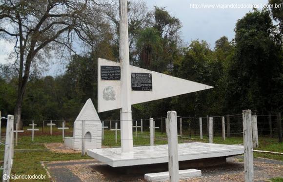 Monumento aos Heróis da Retirada da Laguna