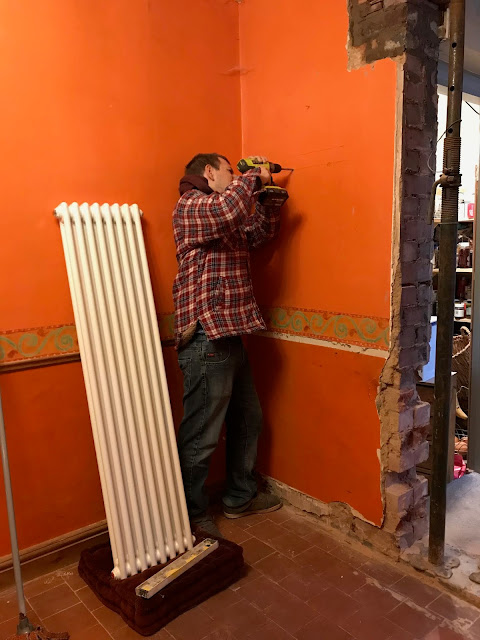 attaching a cast iron radiator