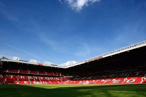 Manchester United, Ashley Young set to leave.