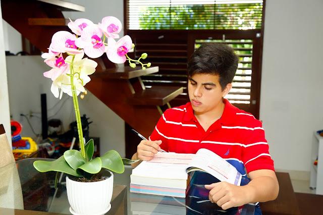 Americano cria método de estudo e tira 813,05 no ENEM ainda no 2° ano do ensino médio.