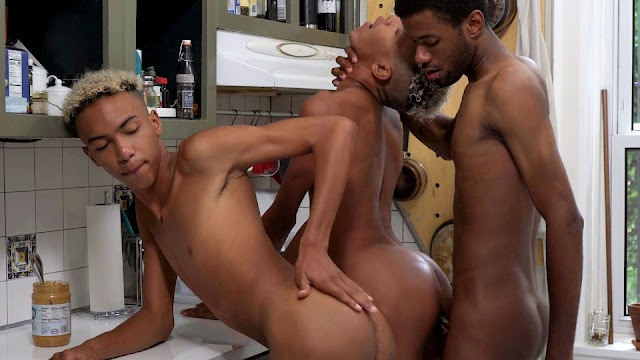 Snack Time – Eric Ford, Diego & Dante