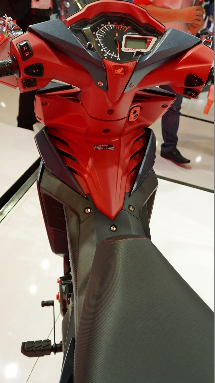 Bảng điều khiển của Honda Winner 150 khá đơn điệu