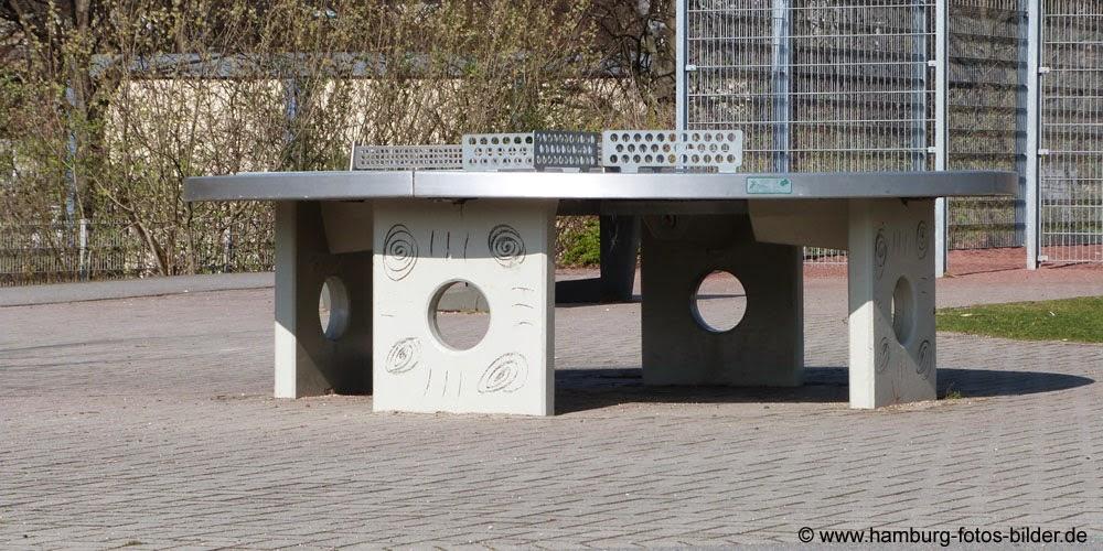 Tischtennisplatten, Tischtennis draußen spielen in Hamburg Barmbek Winterhude